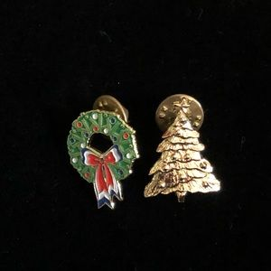 Set of 2 Christmas Pins